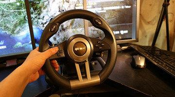 开车的游戏手机版带方向盘